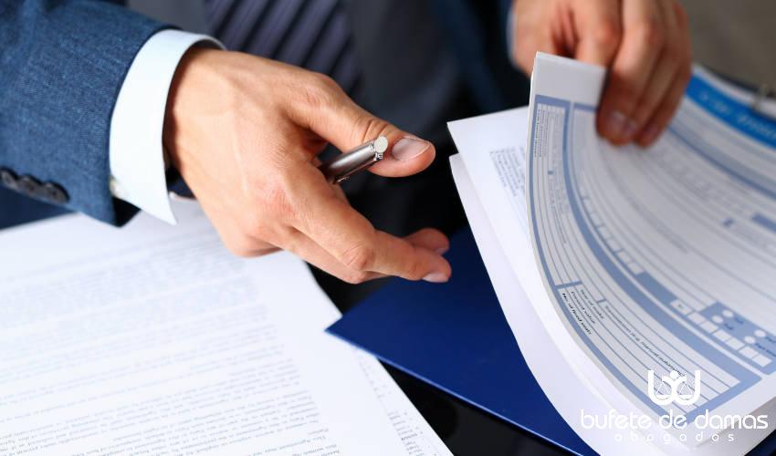 especialistas-derecho-administrativo